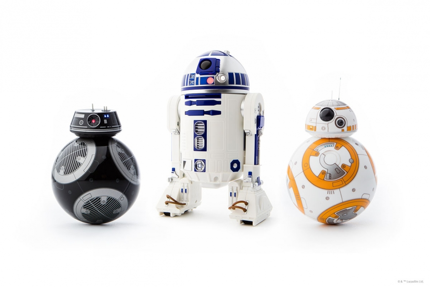 BB-9E with R2-D2 and BB-8