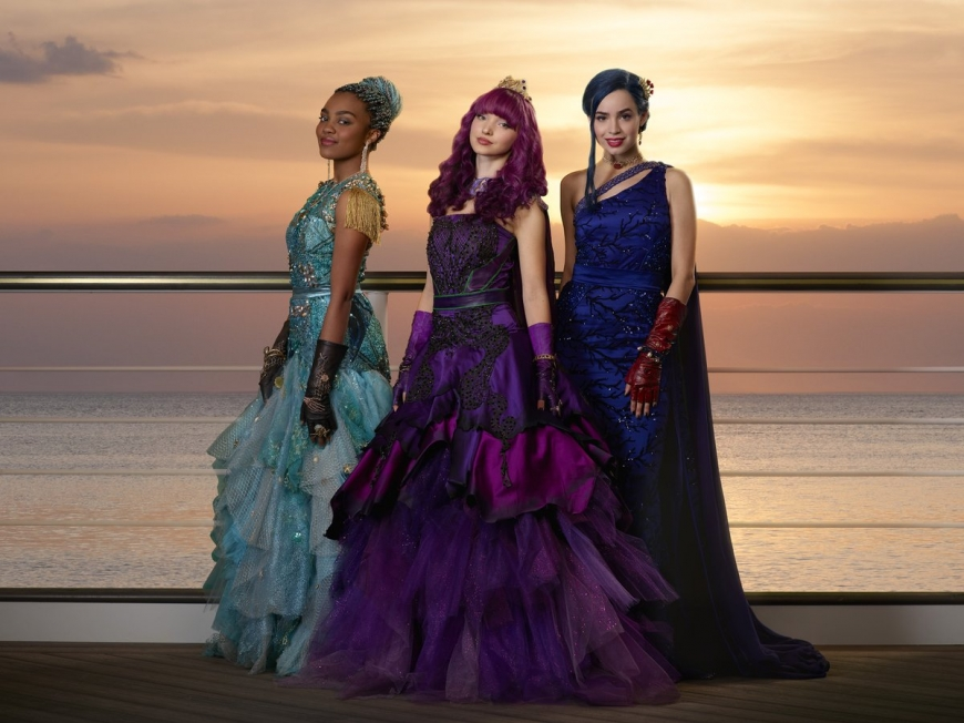 Disney Descendants 2 Mal? Uma and Evie cotillion