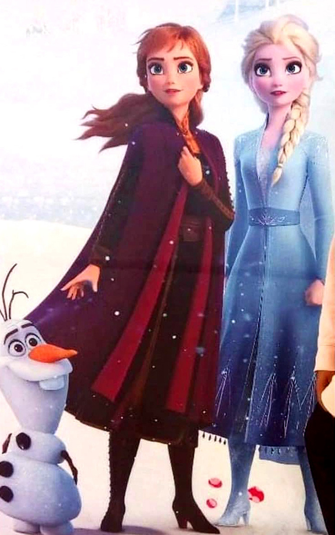 Annd and Elsa full bofy image Frozen 2