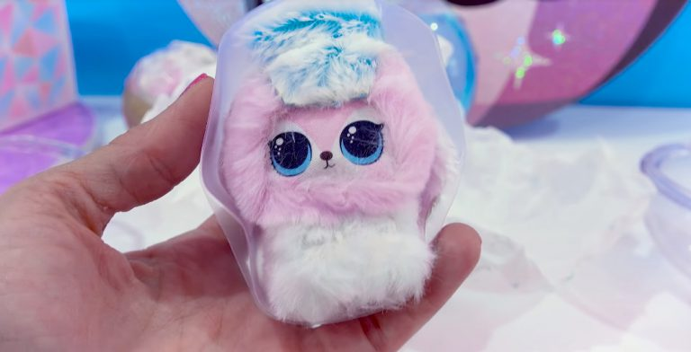 LOL Surprise Winter Disco Fluffy Pets toy