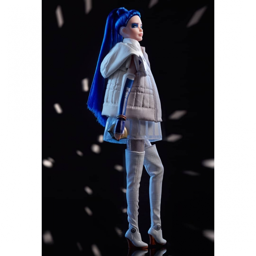 Star Wars R2-D2 Barbie doll photo