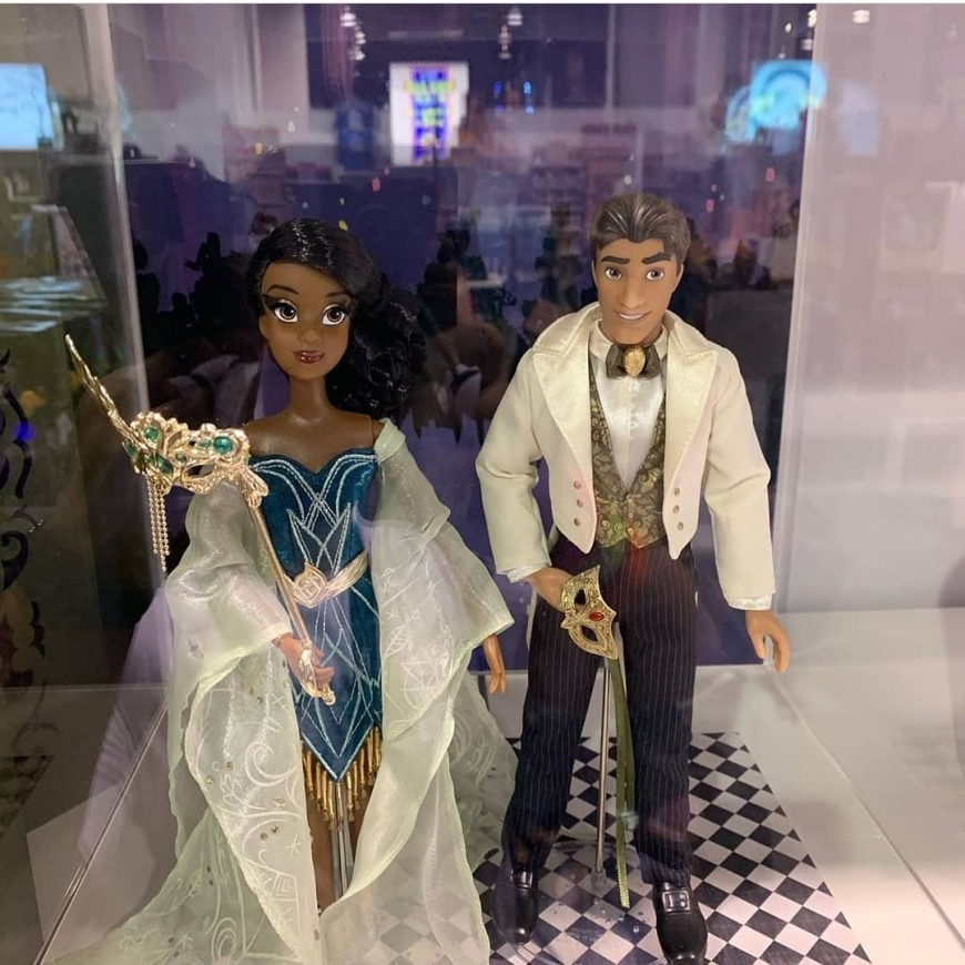D23 2019 Disney Designer Midnight Masquerade Series Tiana and Naveen dolls