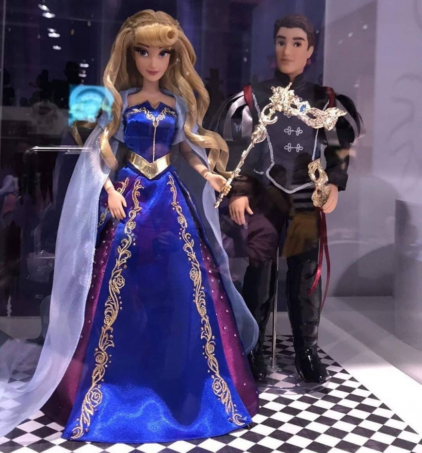 D23 2019 Disney Designer Midnight Masquerade Series Aurora and Phillip dolls