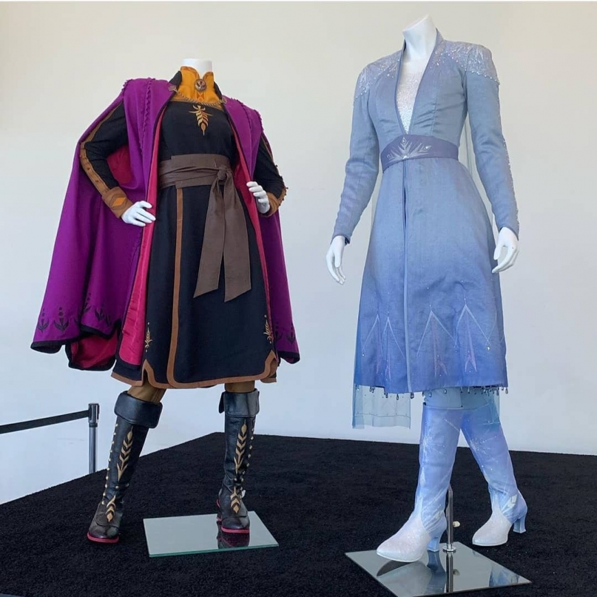 Elsa and Anna Frozen D23 2 costumes