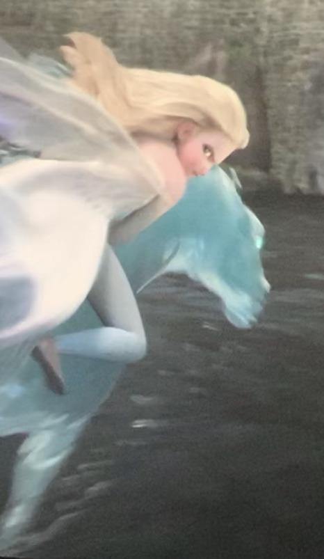 Frozen 2 Elsa Riding On Nokk Saving Arendelle From Flood