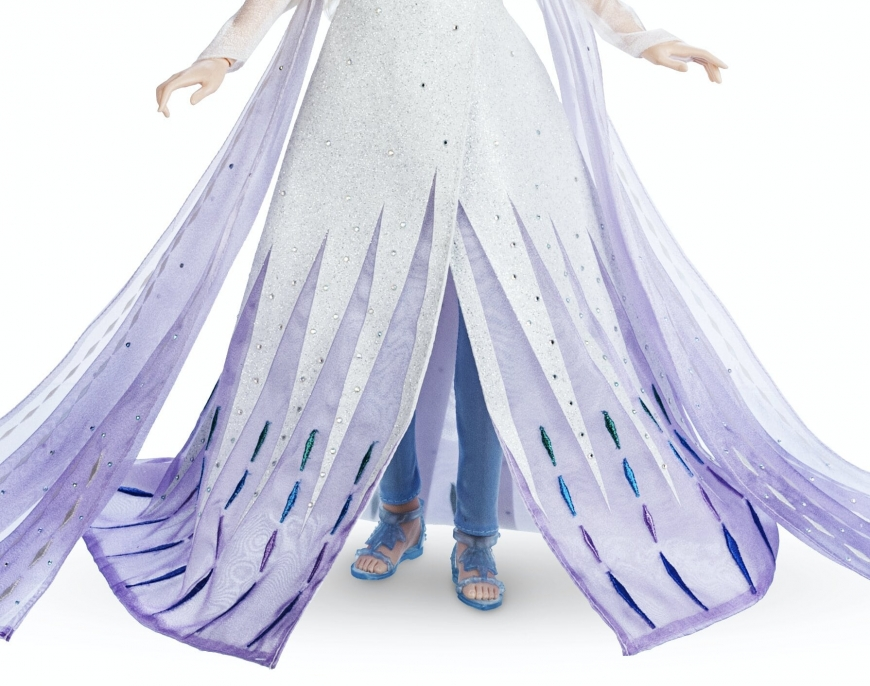 Frozen 2 Elsa white dress limited edition doll