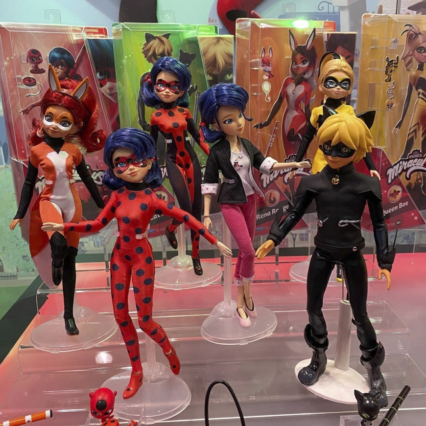 New Miraculous Ladybug dolls from Playmates coming in 2021. Including Ladybug with hair down doll and Marinette's room playset!
