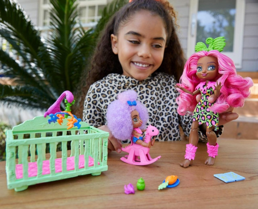 Cave Club Wild About Babysitting Playset (with Fernessa & Furrah doll)