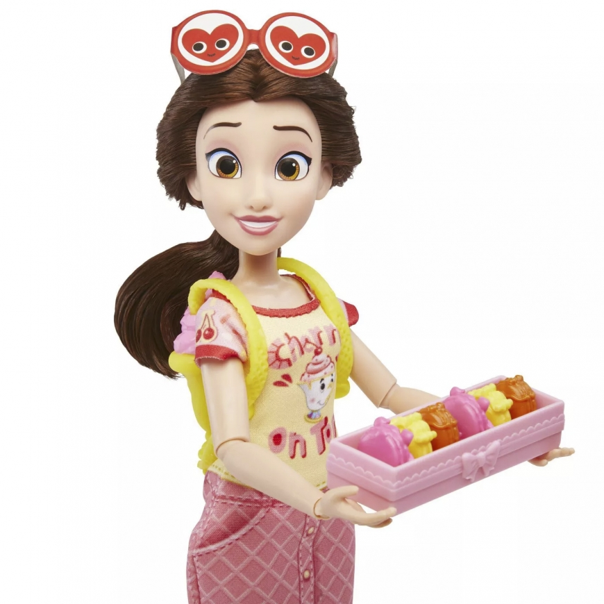Hasbro Disney Princess Squad Belle Story Pack doll