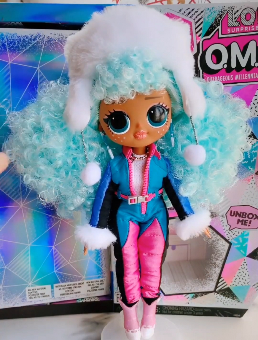 LOL OMG Winter Chill Icy Gurl unboxing pictures