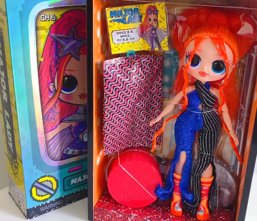 LOL OMG Dance Dance Dance Major Lady doll unboxing pictures