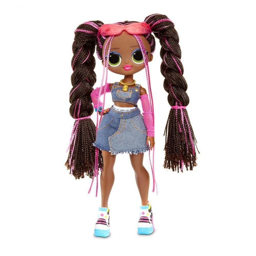LOL OMG Remix doll Honeylicious second outfit