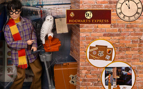 Mattel Harry Potter Platform 9 3/4 Hogwarts Express doll
