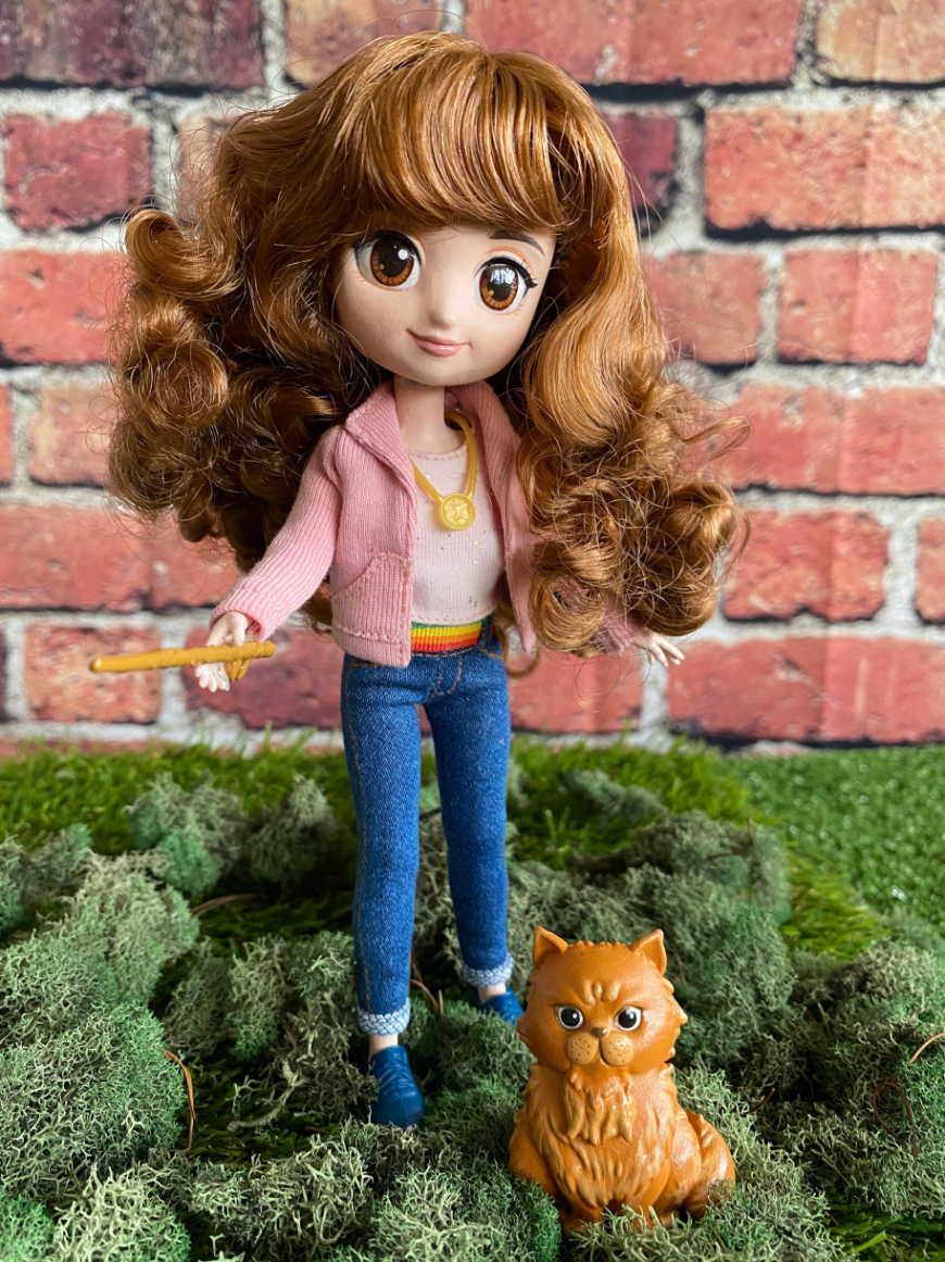 Deluxe Brilliant Hermione Doll